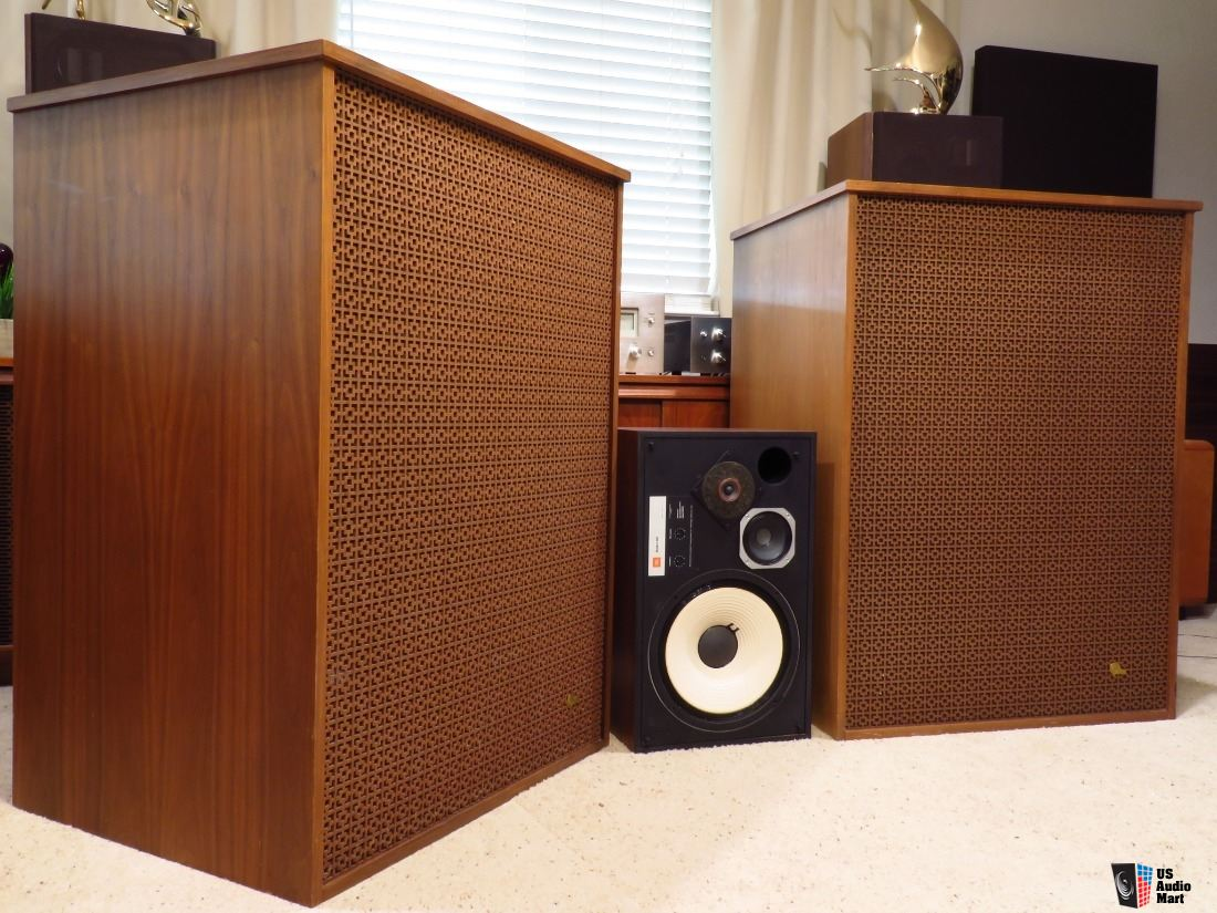 2860542-c3f4f400-altec-magnificent-speakers-a7-500w.jpg
