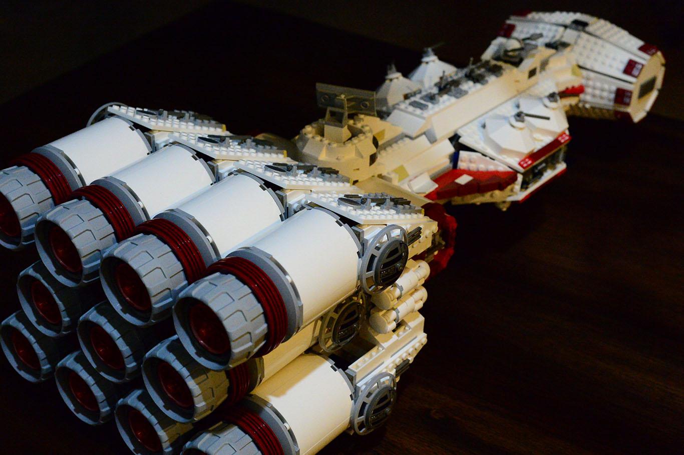 Lego Blockade Runner 3.JPG